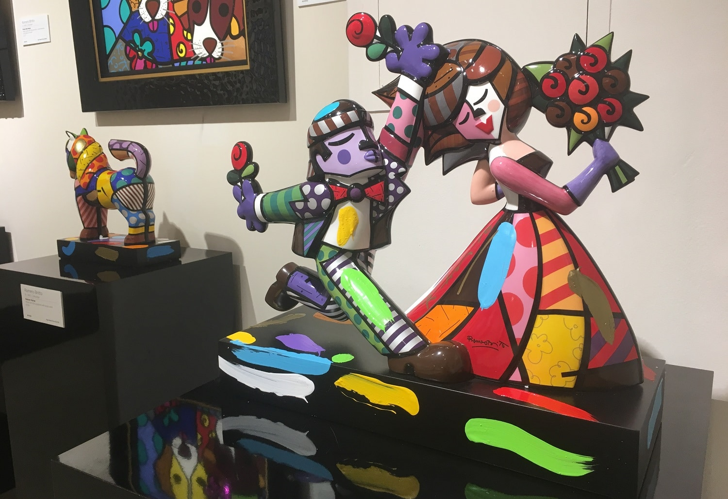 """Follow Me"" (2018) by Romero Britto, sculpture"