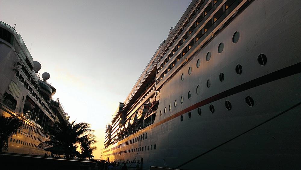 Cruise ships_web