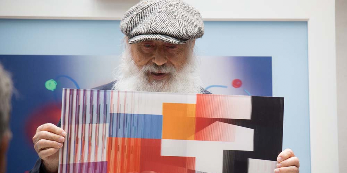 Famed artist Yaacov Agam discussed his artwork at a Park West event.