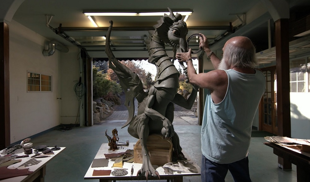 "Lopez works on one of his large-sized ""Nanimals"""